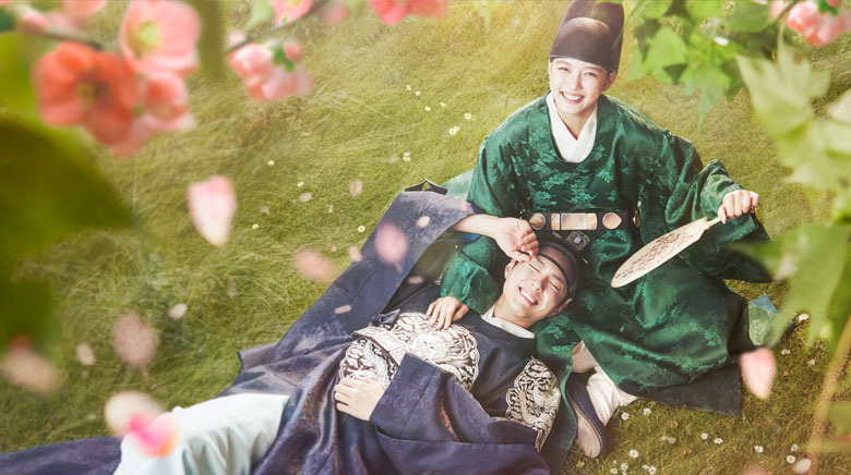 Resultado de imagen para moonlight drawn by clouds