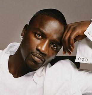Akon- Chhamak challo