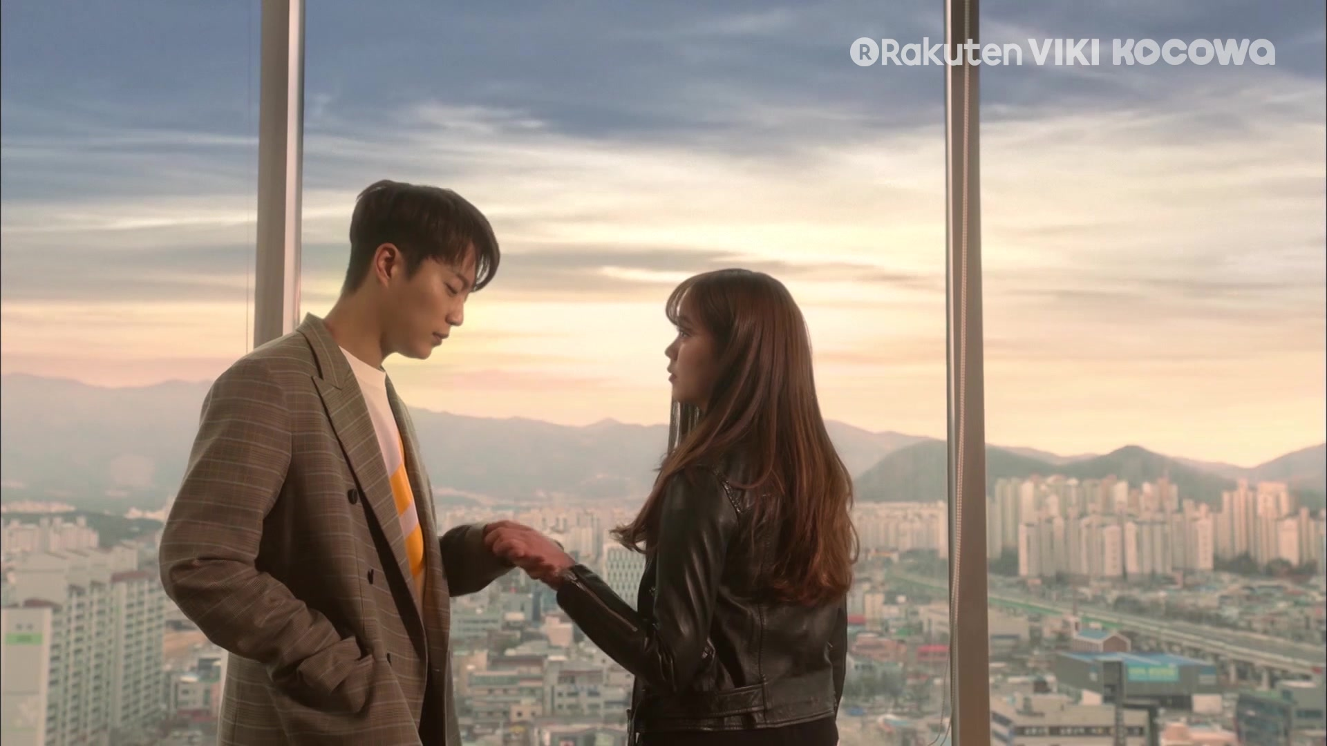 Episode 16 Highlight: Radio Romance