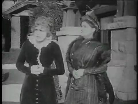 Charlie Chaplin Episode 1: Making a Living