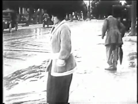 Charlie Chaplin Episode 3: Between Showers