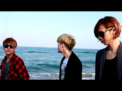 California king bed [cover]: RE:BORN LUNAFLY (aka lunafly)