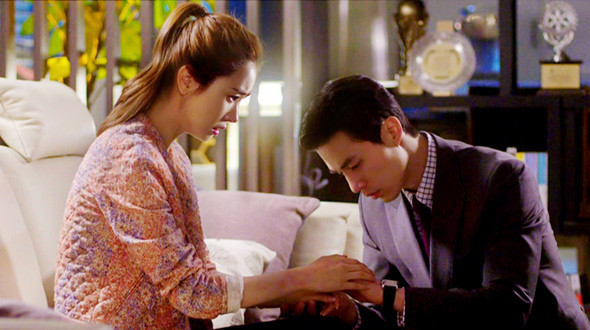 Hotel king korean drama episode / The football players in