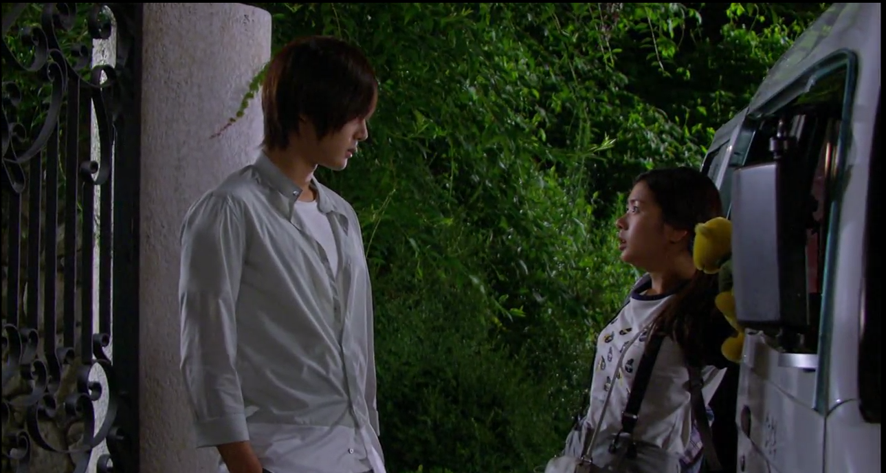 Ha Ni Moves Into Seung Jo's House: Playful Kiss