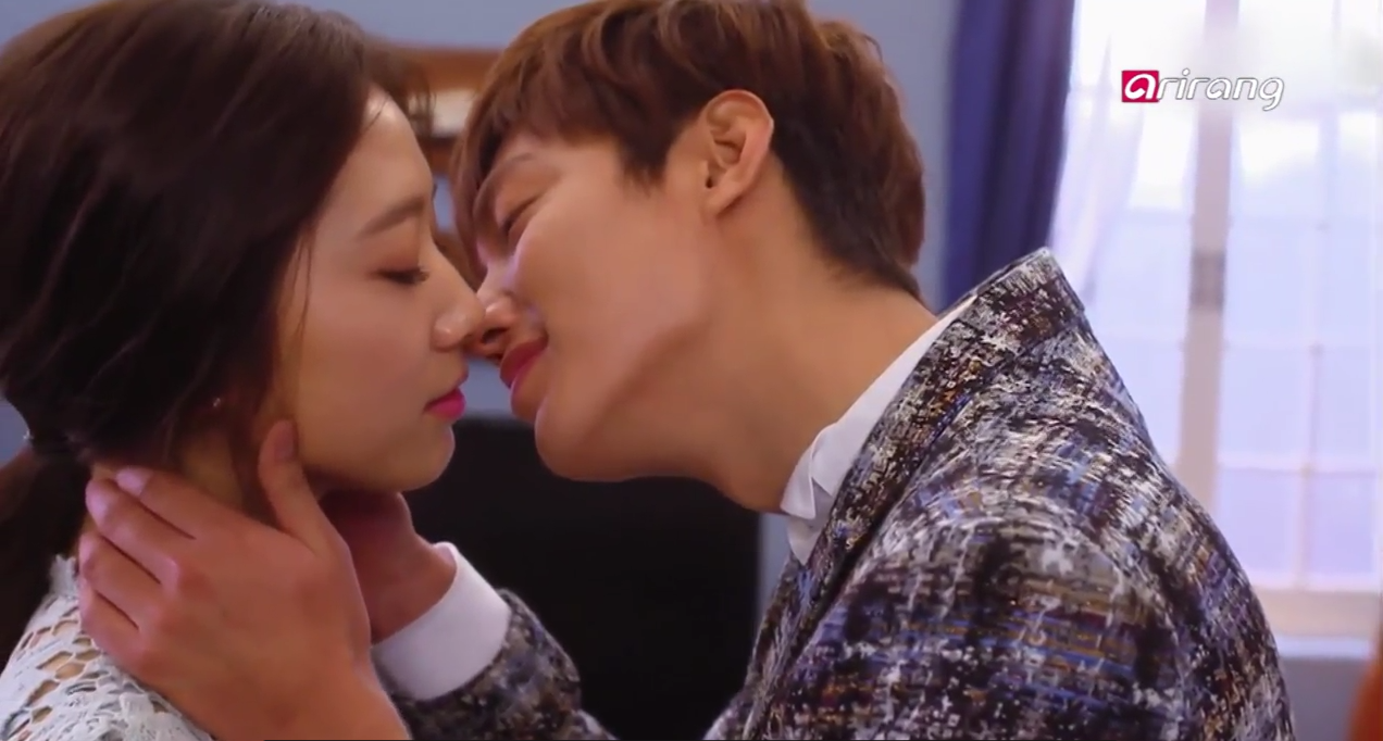 Best 5 Most Romantic Scenes from Dramas