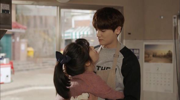 Imagini pentru What Happens to My Family? kiss kdrama hyung sik