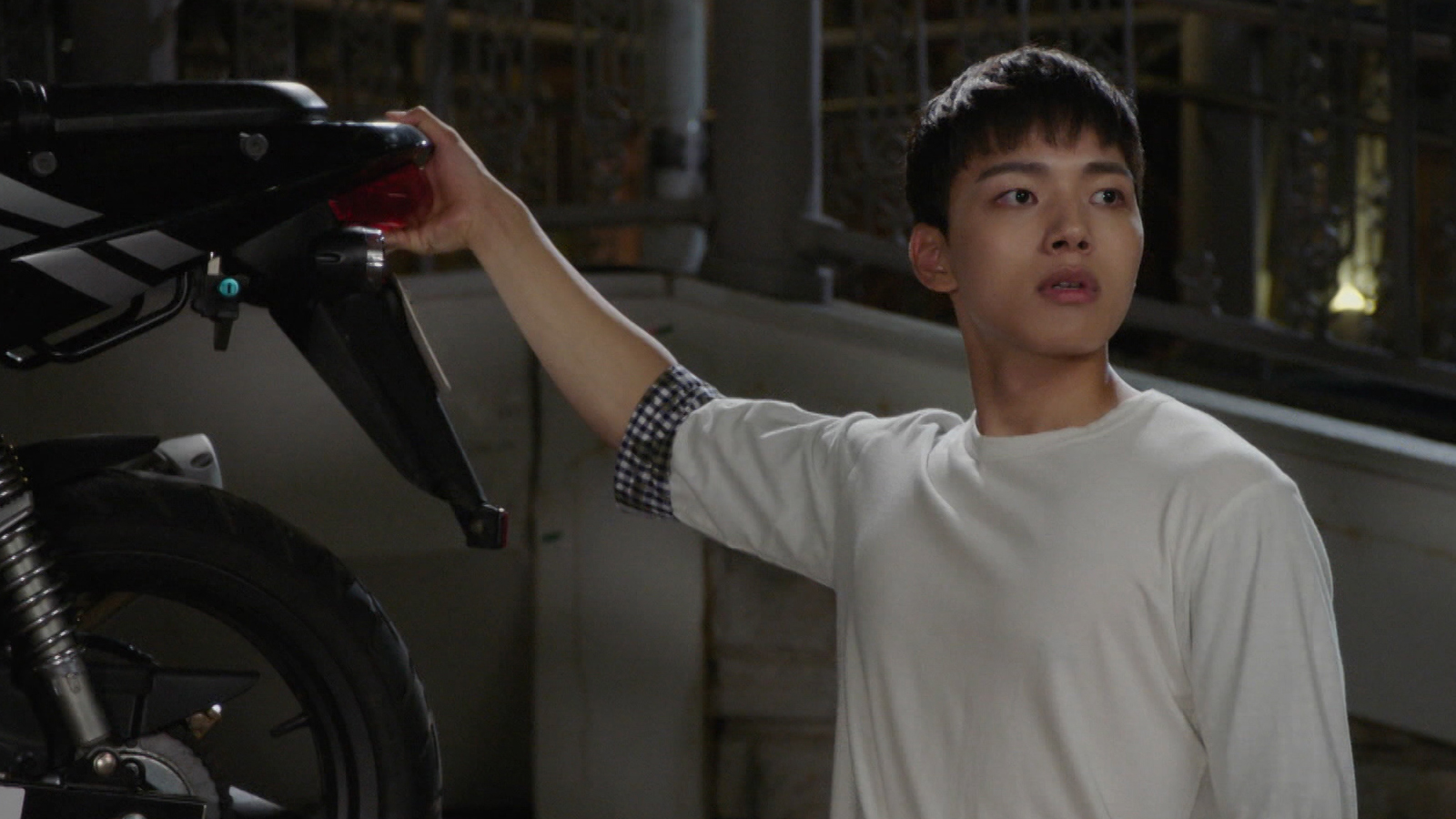 Into the World Again Episode 17